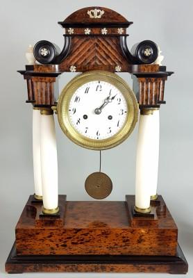Zegar w stylu Biedermeier