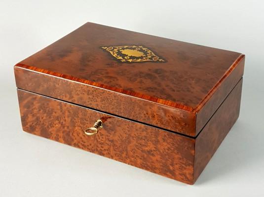 Kaseta na biżuterię XIX w.